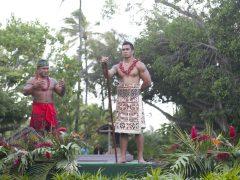 【ポリネシア文化センター】オアフ島半日観光とポリネシア文化センター スタンダードコース(昼食・夕食付き)