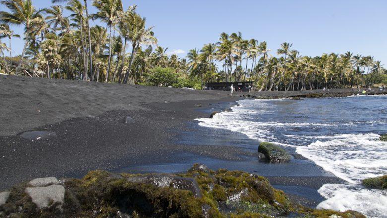 【他島ツアー】日帰りハワイ島観光&溶岩ハイキング(昼食付き)