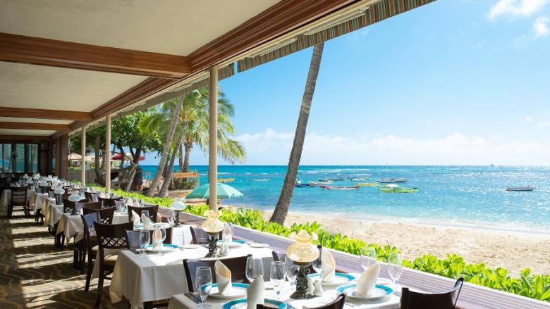 絶景のサンセット!ハワイの人気フレンチレストラン「ミッシェルズ/Michel's」