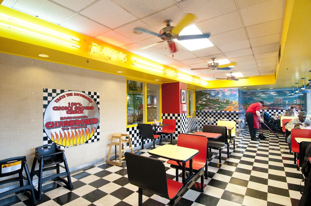 Teddy's Bigger Burgers/テディーズ・ビガー・バーガーズ