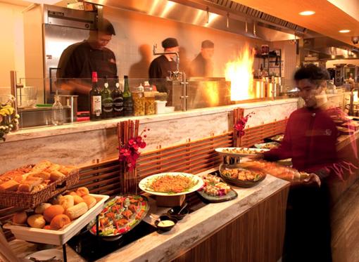 各国料理を味わえるビュッフェレストランがロイヤルハワイアンにオープン!