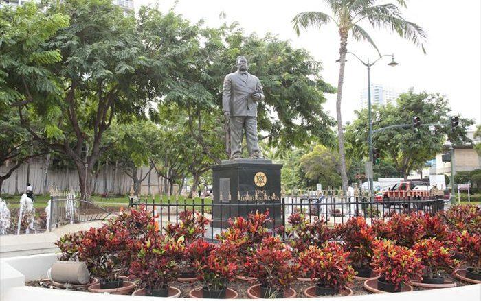 カラカウア王像/King Kalakaua Statue