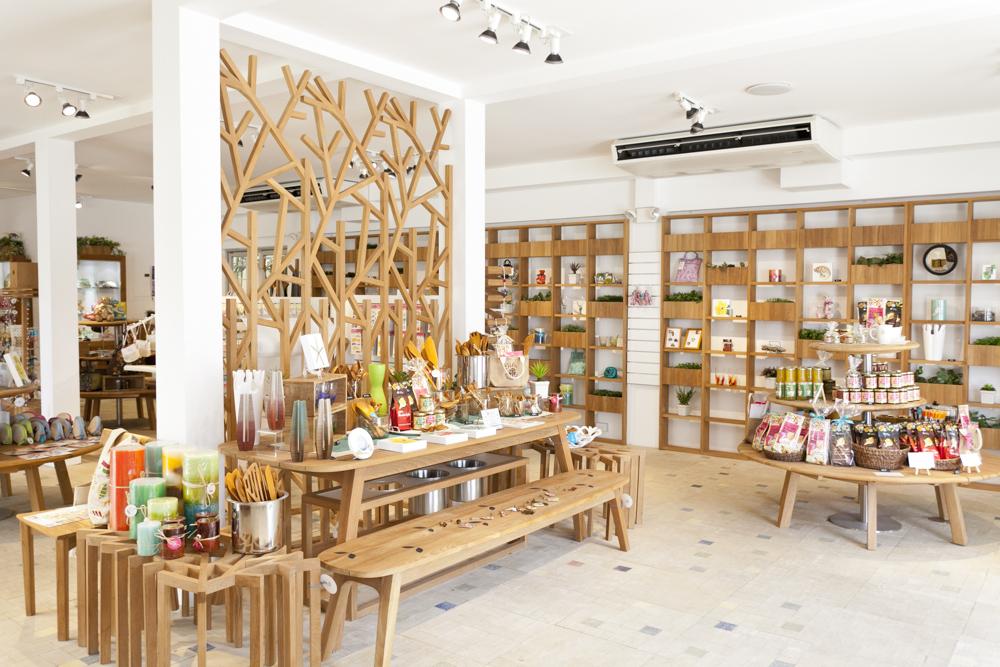 ギフトショップ・アンド・カフェ:チリア エクスクイジット・アロハ/Gift Shop and Cafe:Tilia Exquisite Aloha