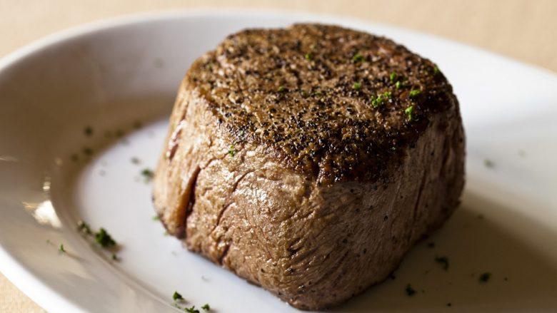 極上ステーキを堪能!ルースズ・クリス・ステーキハウス・ラハイナ店