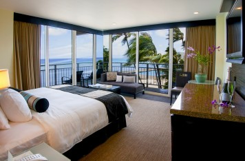 RM17 ocean front waikiki deluxe 01