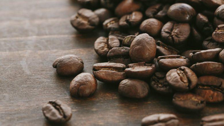コーヒー好きにはたまらない!客足の絶えないカフェ「Coffee Talk」