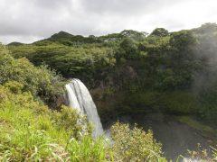 ワイルア滝でマイナスイオンを浴びリフレッシュ