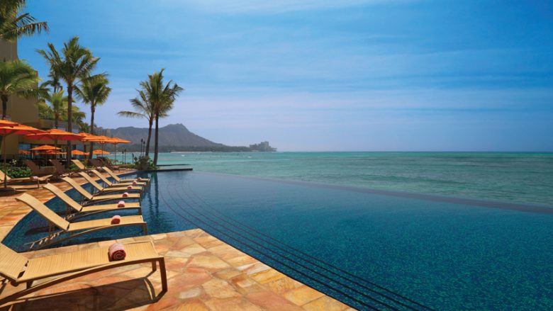 最高のハワイを満喫できるロケーション抜群のホテル「Sheraton Waikiki(シェラトン・ワイキキ)」