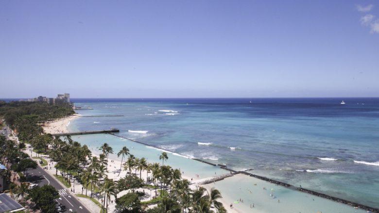 ハワイ旅行についての情報収集