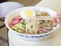 ハワイ生まれのローカルな味を!名物料理 6選