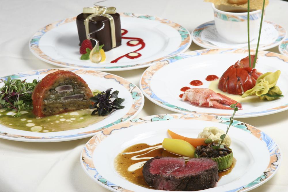 スター・オブ・ホノルル・ディナー・クルーズ/Star Of Honolulu Dinner Cruise