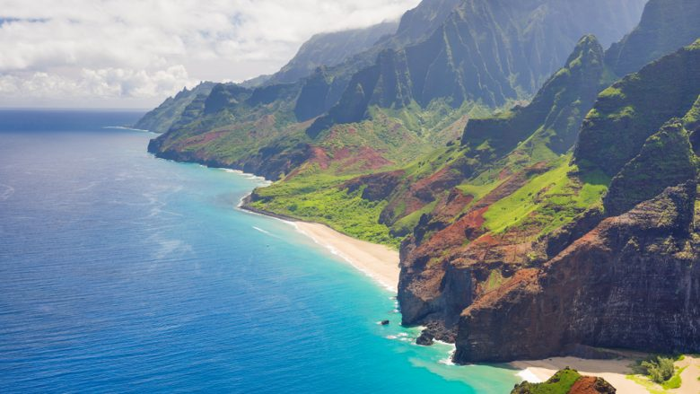 ハワイ州観光局がハワイでオリジナル体験ツアーを実施~ラウハラ作り、ポイ作り、虹のマノアの究極ツアーなどディープなテーマが満載~
