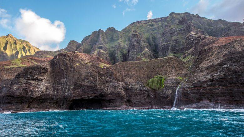 カウアイ島のメネフネ伝説