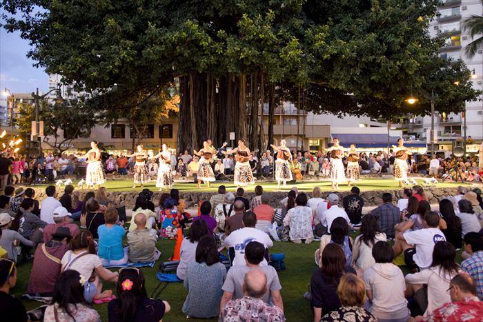 クヒオビーチ・フラショー/Kuhio Beach Hula Show