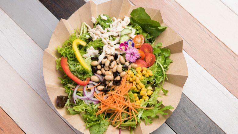 ハワイ生まれのフォトジェニックな花束サラダ。身体が喜ぶ「アロハサラダ原宿店」