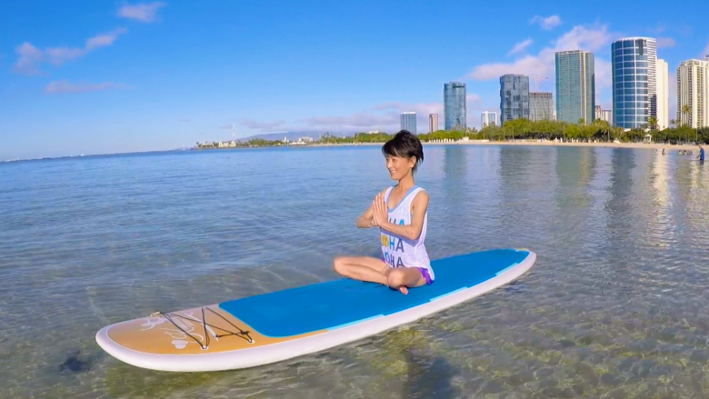 ハワイ在住タレント相原 勇さんもハマるサップヨガの魅力とは?