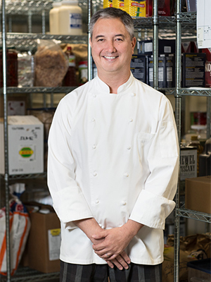 総料理長のキース・コングシェフ