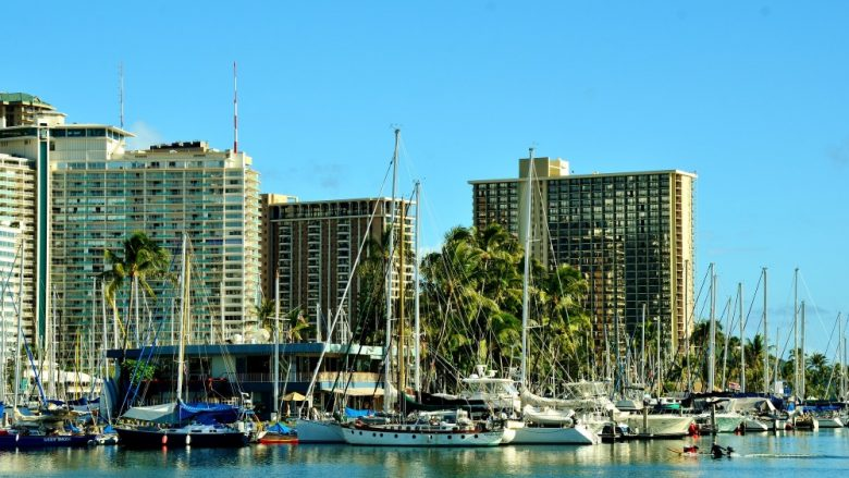 ハワイのホテルとコンドミニアム、どっちがいいの?それぞれのメリットデメリットを教えます。