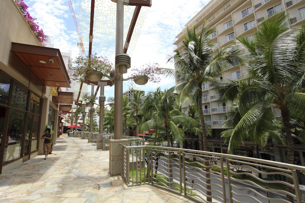 ワイキキビーチウォーク・マーケット・オン・ザ・プラザ/Waikiki Beach Walk Market On The Plaza