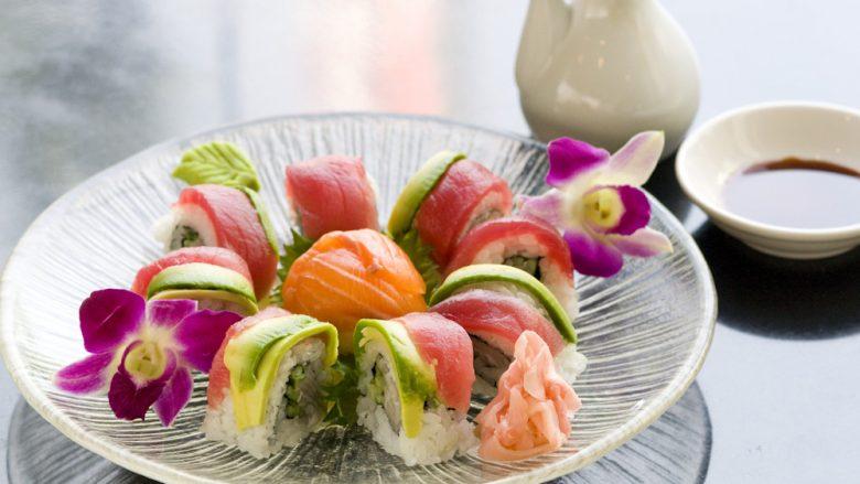 日本の巻き寿司を超えた?!華やかな寿司ロールが人気の店5選