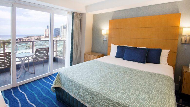 旅行客に便利な、アラモアナセンター隣の好立地ホテル『ALA MOANA HOTEL by mantra アラモアナ・ホテル・バイ・マントラ』
