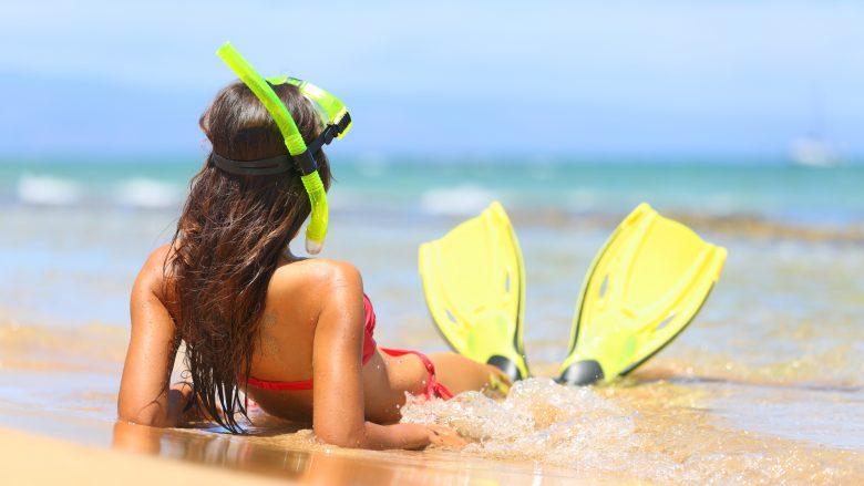 水着でのんびりできるビーチサイドのスポット