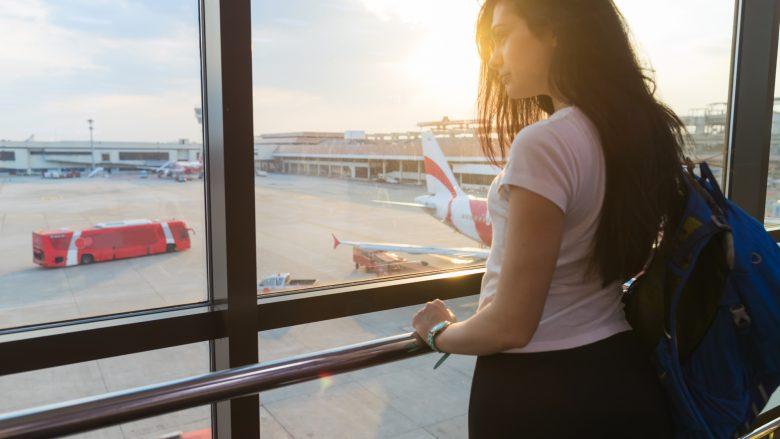 ハワイへ出発する前、みんなは空港でどう過ごしているの?
