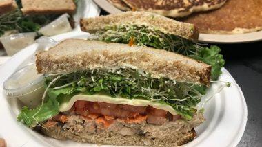 本当は教えたくない!ハワイのロコ達に愛され続けるマノアのサンドイッチ店