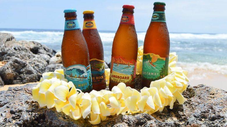 2018年12月1日、成田-ハワイ間のJAL線でコナビール提供開始!移動中からハワイを満喫♪