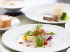 ハワイ島の絶景と絶品料理を楽しめるレストラン4選