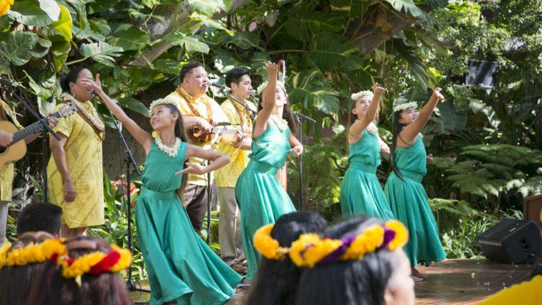 フラ好きなら行ってみるべき! ハワイのフラダンサー御用達の店5選