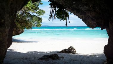 サメ男ナナウエの伝説とマクア洞窟