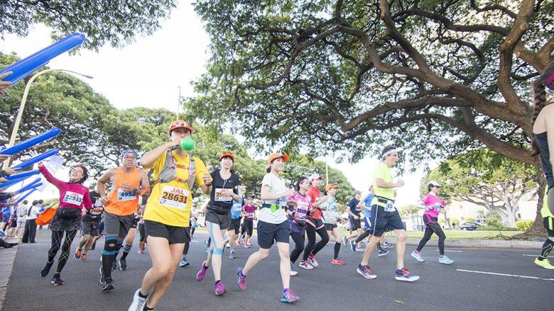 【第2回】LaniLani Presents マラソン完走のための「コアバランスストレッチ」supported by Dr.strech 動画連載!!   JALホノルルマラソンに参加しよう!!