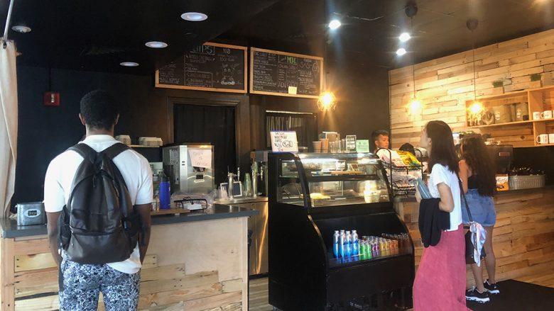 ダウンタウンに誕生したビーガンカフェ、Sip Honolulu
