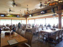 ハワイの海を見下ろせるグルメなレストラン4選