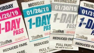 【速報】2021年7月1日から「The Bus」紙の1デイパスが廃止!「HOLO(ホロ)カード」へ変更を発表