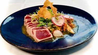 アメリカの料理界を牽引してきたシェフ・ロイ・ヤマグチ。「レストラン・ロイズ」の人気料理だったレシピを公開してくれます!!