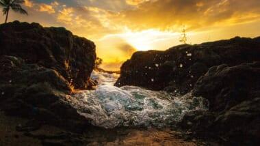 【徹底解説】ハワイの海は潮の香りがしないのはなぜ?ハワイと日本の海の違い