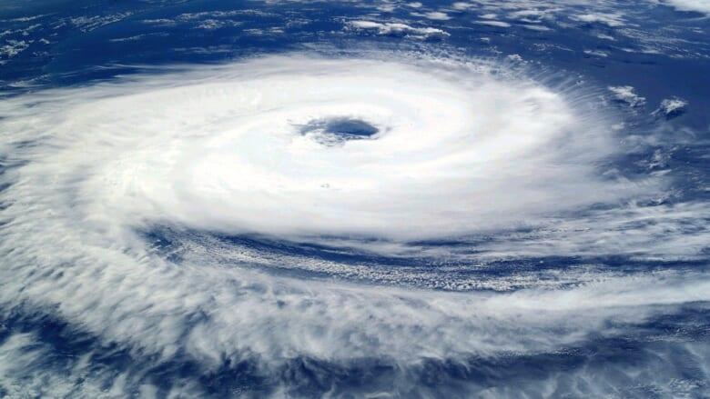 ハワイの台風(ハリケーン)シーズンはいつ?旅行に行く際の注意点