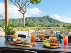 クイーンカピオラニホテル3階『デック』が週末の朝食とブランチを再開!サンクスギビングディナーの予約も受付中!