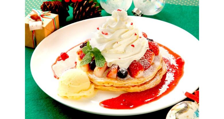 バーガーだけじゃない!クア・アイナで期間限定のクリスマスメニュー「クリスマスパンケーキ」が登場!