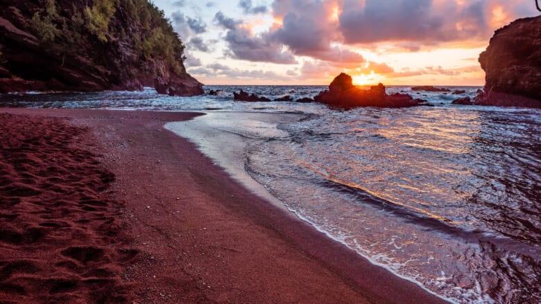 【2021年最新版】米国と世界のビーチトップ10に入ったハワイのビーチ!お気に入りのハワイのビーチはどこ?