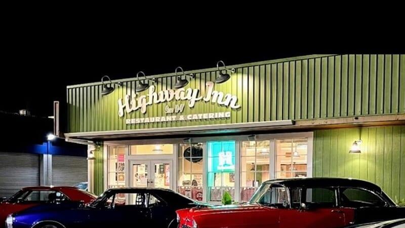 伝統的なハワイ料理が食べられる「Highway Inn/ハイウェイイン」が移転!気になるオアフ島の鉄道の関係もお届け
