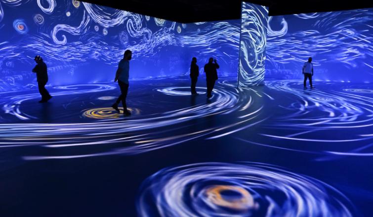 名画の世界に入り込む没入体験型展覧会「ビヨンド・ファン・ゴッホ」、 7月2日(金)よりハワイコンベンションセンターにて開催