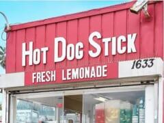 【ハワイ新店オープン情報】 パールリッジにオープン!ハワイのロカールに愛され続けてきた「Hot Dog on a Stick/ホットドッグ・オン・ア・スティック」