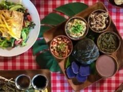 ハワイの伝統料理「ルアウシチュー」とは?伝統料理が食べられるお店もご紹介
