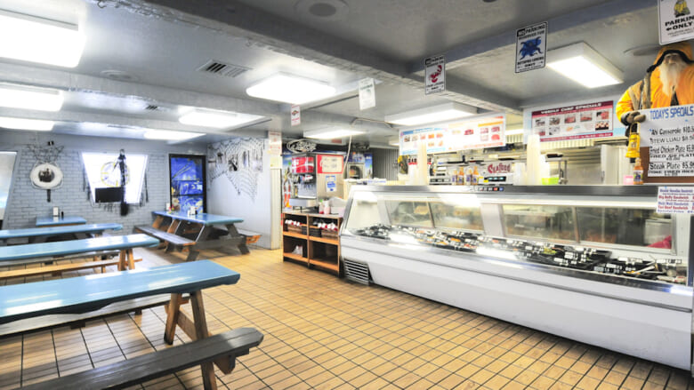 サンドバーが人気の街・カネオヘで食事に迷ったらこのお店