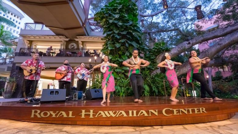 ロイヤル・ハワイアン・センター本格フラショーとカルチャーレッスンが全面再開!