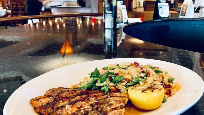 アラモアナでのランチにオススメ!「Romano's Macaroni Grill/ロマノス・マカロニ・グリル」