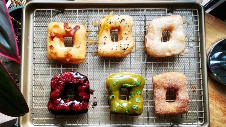 予約開始3分で完売!ハワイで話題の「リトル ベセルズ ドーナツ」のビーガンドーナツ!